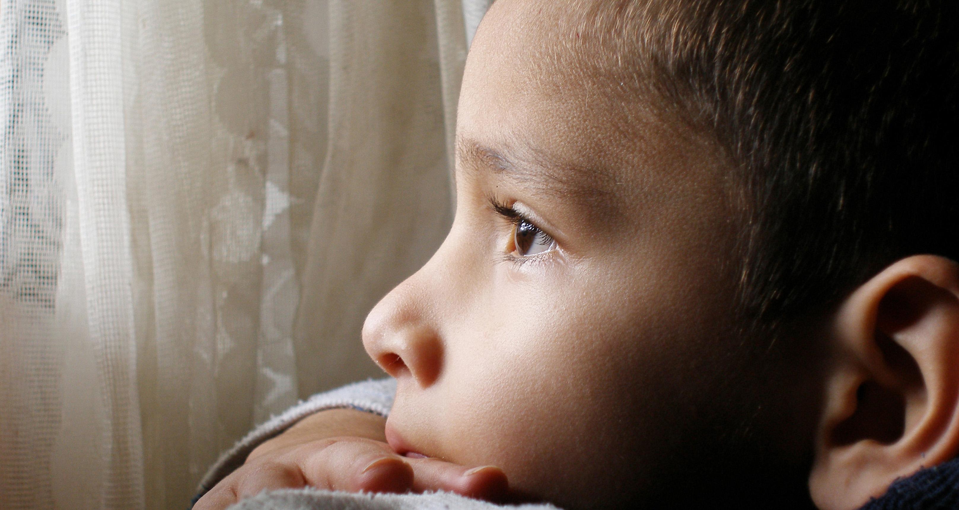 В ЯНАО неуравновешенная мать жестоко избила сына из-за пособия
